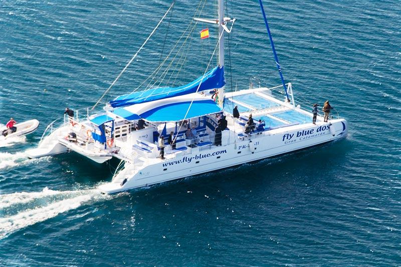 Catamarán para fiestas y despedidas